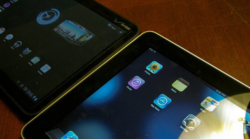 iPad ao lado do Motorola Xoom