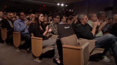 Cadeira reservada para o Steve Jobs no último Keynote que aconteceu em outubro de 2011
