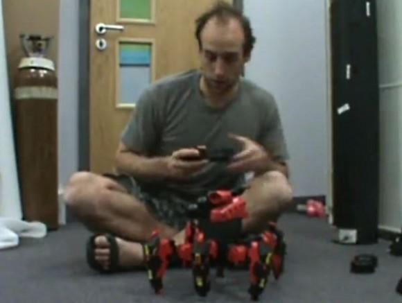 Um robô aracnídeo – O melhor brinquedo em forma de robô que eu jávi