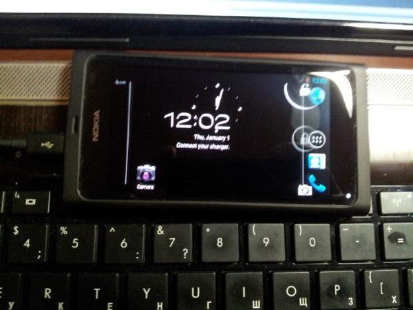 Nokia N9 rodando Android 4.0