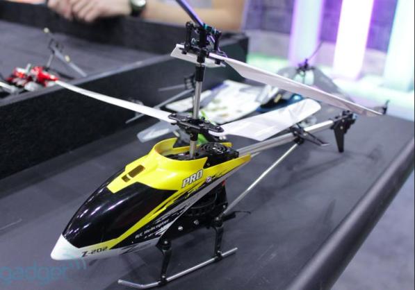 Force Flyer - helicóptero controlado pelos movimentos da mão