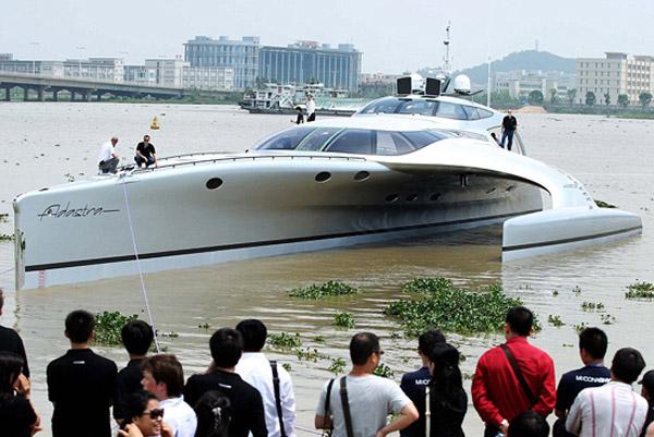 adastra-super-yacht-ipad-remote-control-front