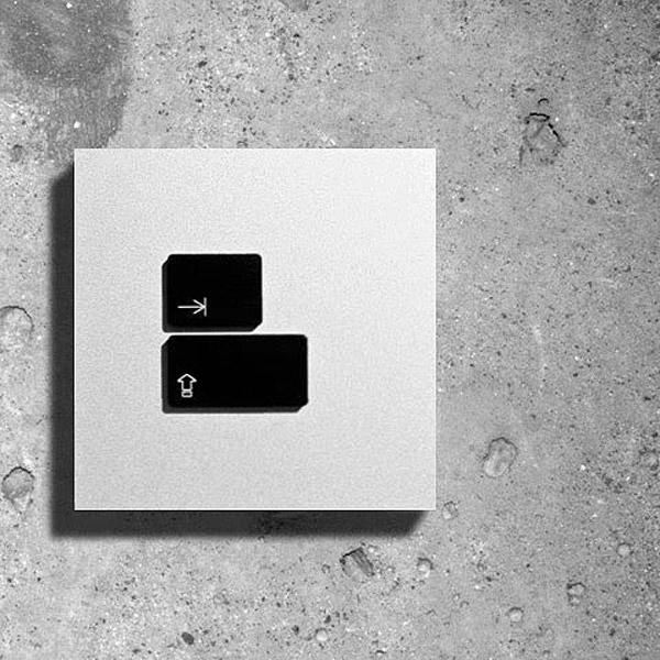 Interruptor de luz com teclas do teclado decomputador