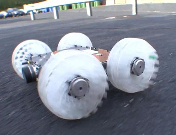 SandFlea é um robô que pode pular quase 10 metros dealtura